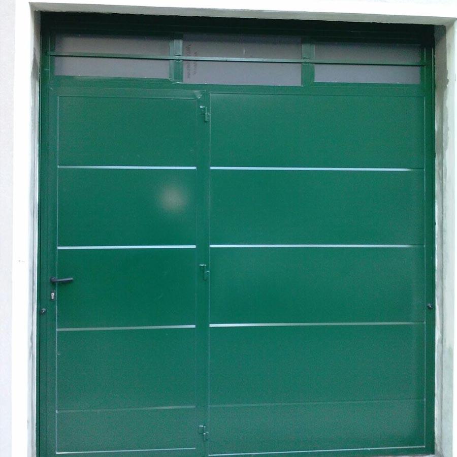 porta-garage-basculante-con-porticina-verniciata
